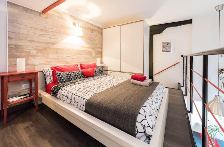 Fantastic and spacious loft in Lavapiés