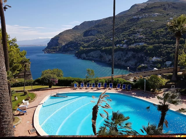 Panoramic Flat with Terrace Sorrento Coast