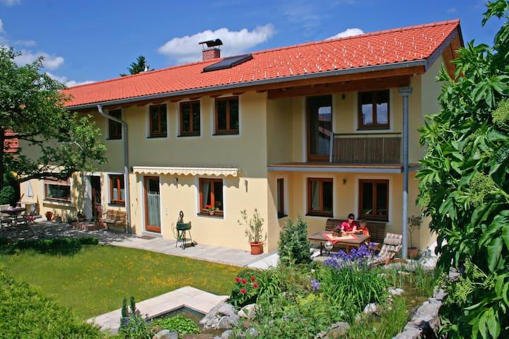 Große  günstige Designerwohnung  Villa Casa - Bad Tölz
