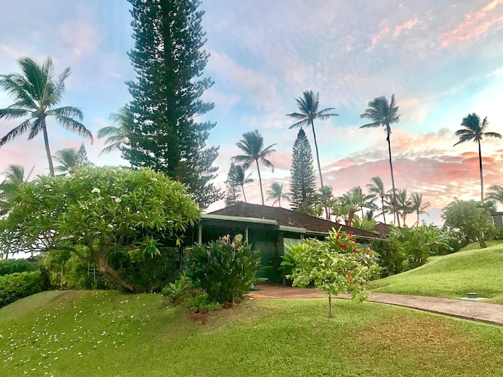 Hawaii Life Rentals presents Private Ka'anapali Cottage | Walk To The Beach - Private Kaanapali Cottage / Walk To The Beach/Serene Gardens