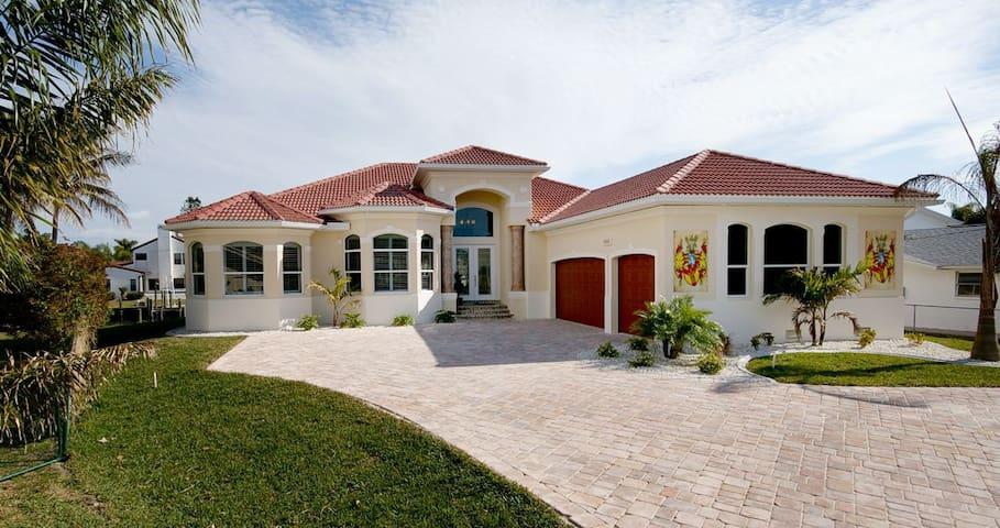 Welcome to Villa Riverview - Cape Coral - Villa