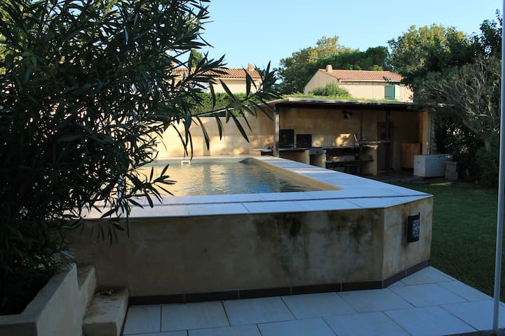 Jolie maison avec jardin & piscine - Istres