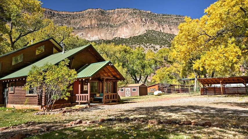 Remote Jemez Springs Riverfront Cabin w/Mesa Views
