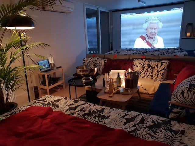 퀸즈 트로피칼 파티하우스 (바베큐+빔프로젝터 영화관)