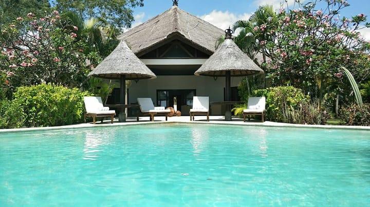 Villa Lumba Lumba: Beachfront