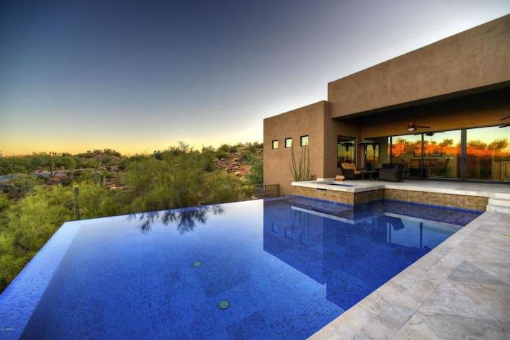 HUGE 5BR/4BA, Estate with Breathtaking Views!!!
