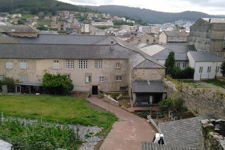 Dormitorio para 2 en el casco histórico de Viveiro - Viveiro