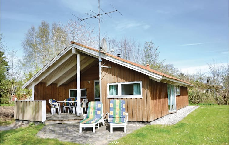 Holiday cottage with 3 bedrooms on 70 m² in Vejby