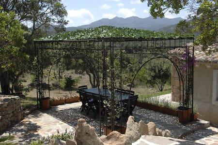 Li paduleddi, bed and breakfast tra mare e collina - Olbia - Bungalow