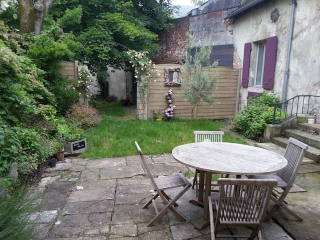 Chambre dans maison centre ville - Bourges