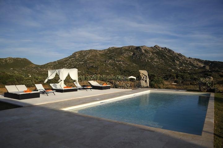 Blue Marlin top villa whit pool Marinella beach