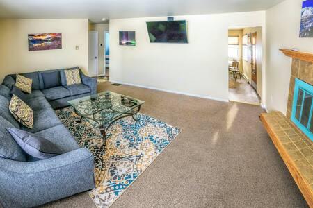 Remodeled Duplex Near JBER/Downtown - Anchorage - Andet