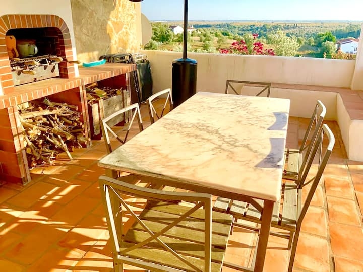 Villa with one bedroom in Casais de Sao Bras , with wonderful mountain view, shared pool, furnished terrace - 50 km from the beach
