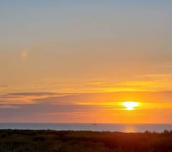 Condo in the Keys, Peaceful ocean view retreat!