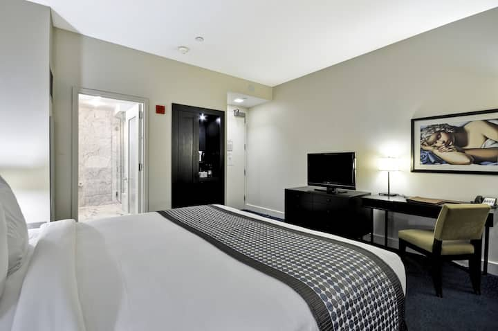 Dylan Hotel Nyc Luxury King Room Boutique Hotels For Rent In New York New York United States