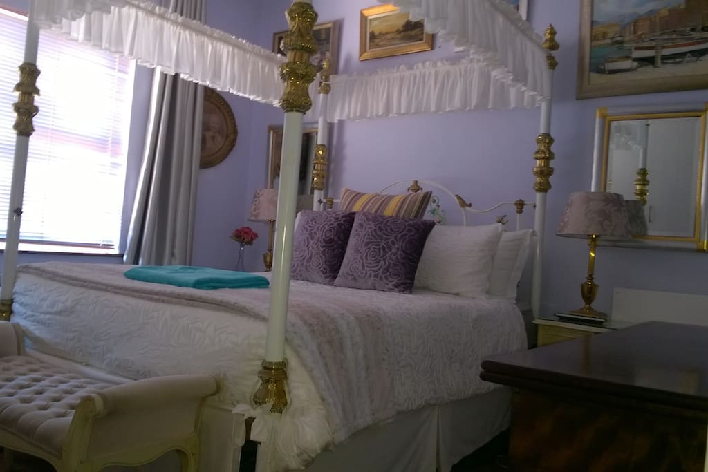 Queen size Victorian cast iron bed base - Cecil John Rhodes slept on this bed in the Maaitjiesfontein, Royal Hotel, Great Karroo.