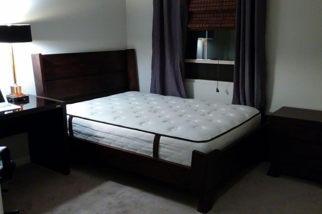 1 Bedroom that is queen sized with brand new furniture