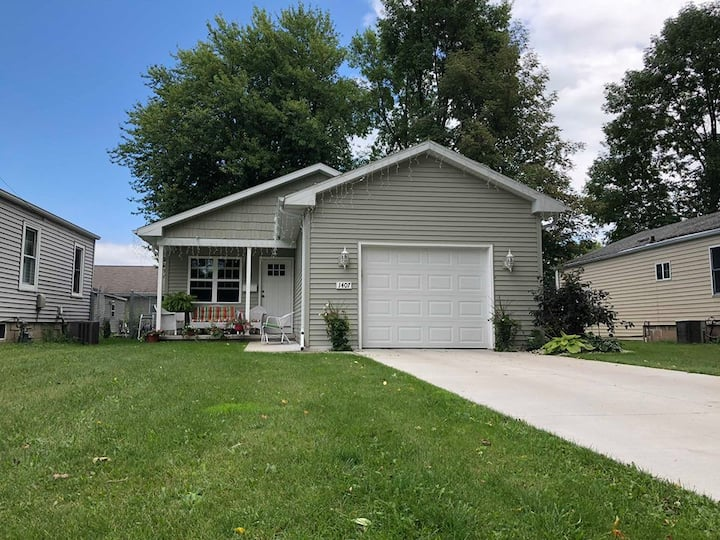 New Green Bay Home- 10 Minutes from Lambeau Field
