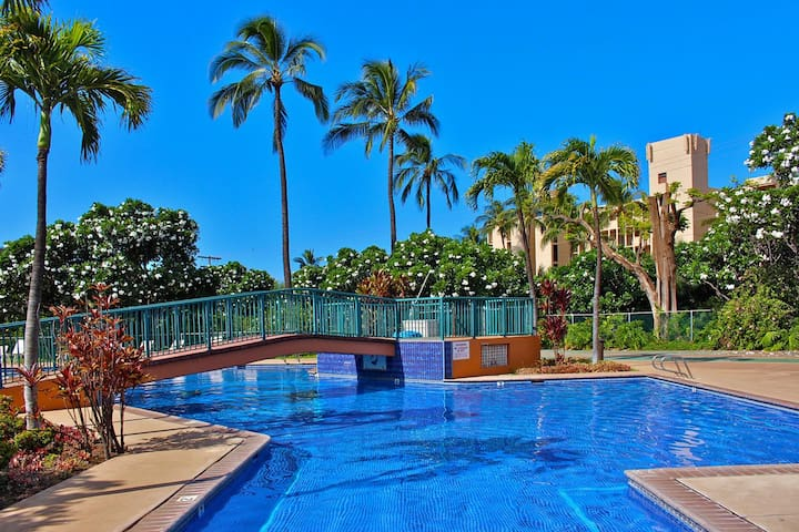 Koa Resort 1J- 3 bedroom 2 bath condo - Overlooks Lush Tropical Garden / Pool