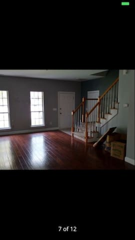 Quiet townhouse with queen bed. - Summerville - House