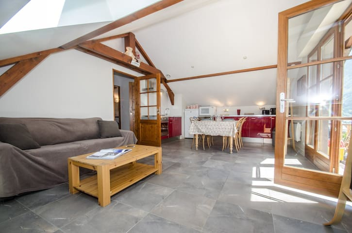 Cosy 2 room apartment with an amazing view of the Mont Blanc