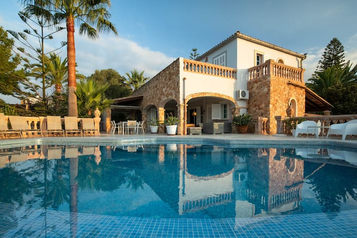 Charming Pool Finca near Palma