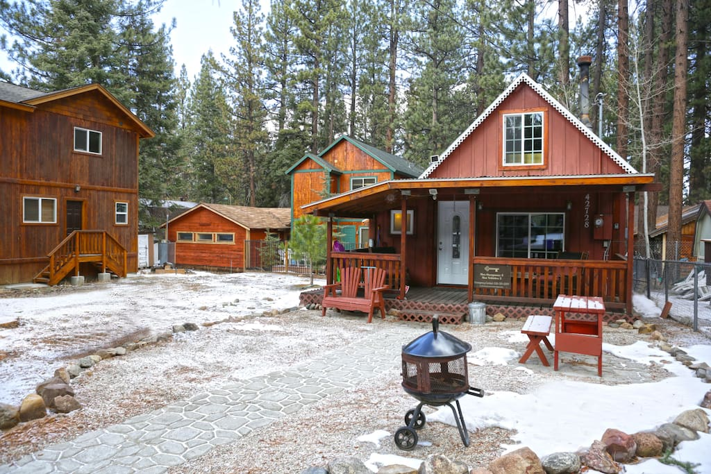 Mountain retreat great location cabins for rent in for Big bear retreat cabins