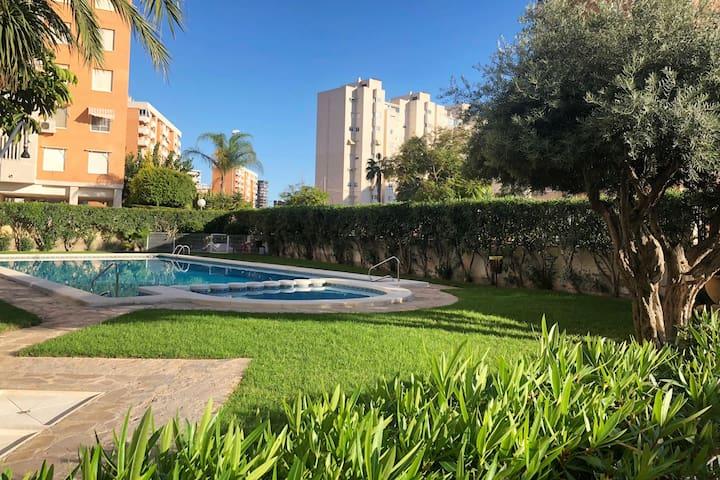 Urbanización con piscina a 500mts de la playa