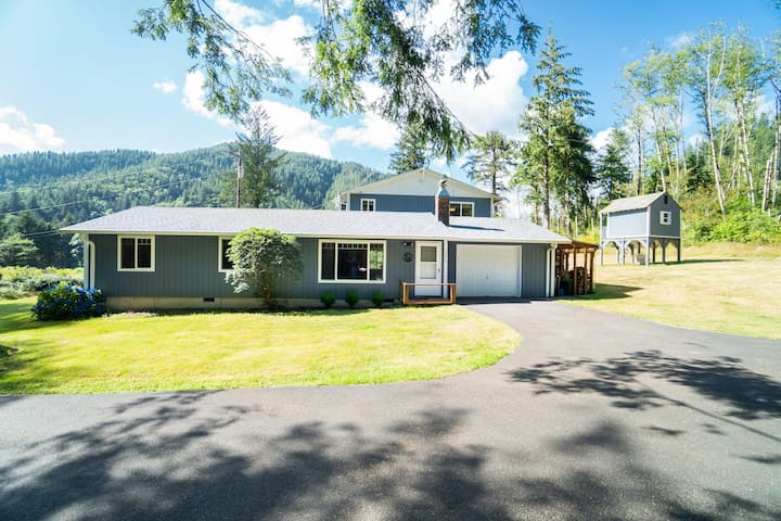 Experience This Scenic 5 Bedroom Moments From Bay City & Tillamook!