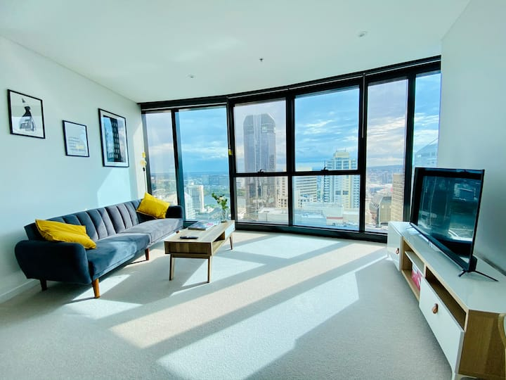 BNE CBD Wheel & Riverview KING Bedroom Apartment