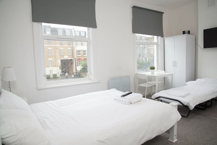 Comfortable & Affordable Triple Room Sleeps 3