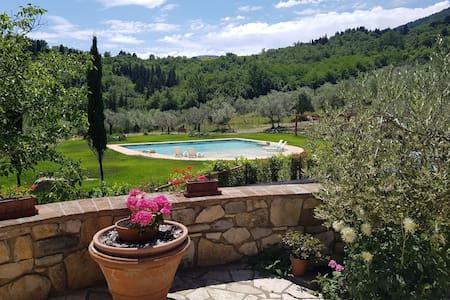 Casaglia 1 With Shared Swimming Pool Near Florence