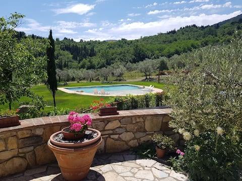 Casaglia 1 se společným bazénem poblíž Florencie