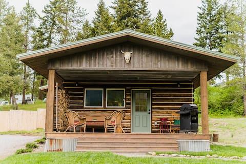 Cozy Cabin 9 miles from Glacier Park