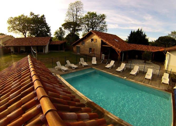 La belle vie là pour 28 personnes - Sanguinet - Villa