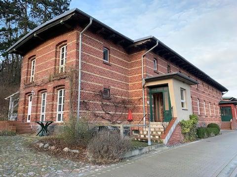 Schöne Wohnung mit Holzbalkendecke im Lotsenhaus