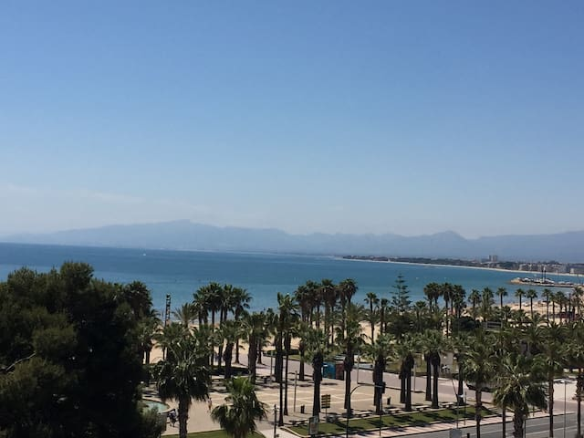 CENTRALLY LOCATED WITH BEAUTIFUL SEA VIEWS - Salou - Appartement