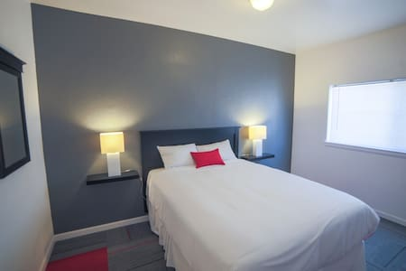 Cozy Private room, steps away from Fremont St - Las Vegas
