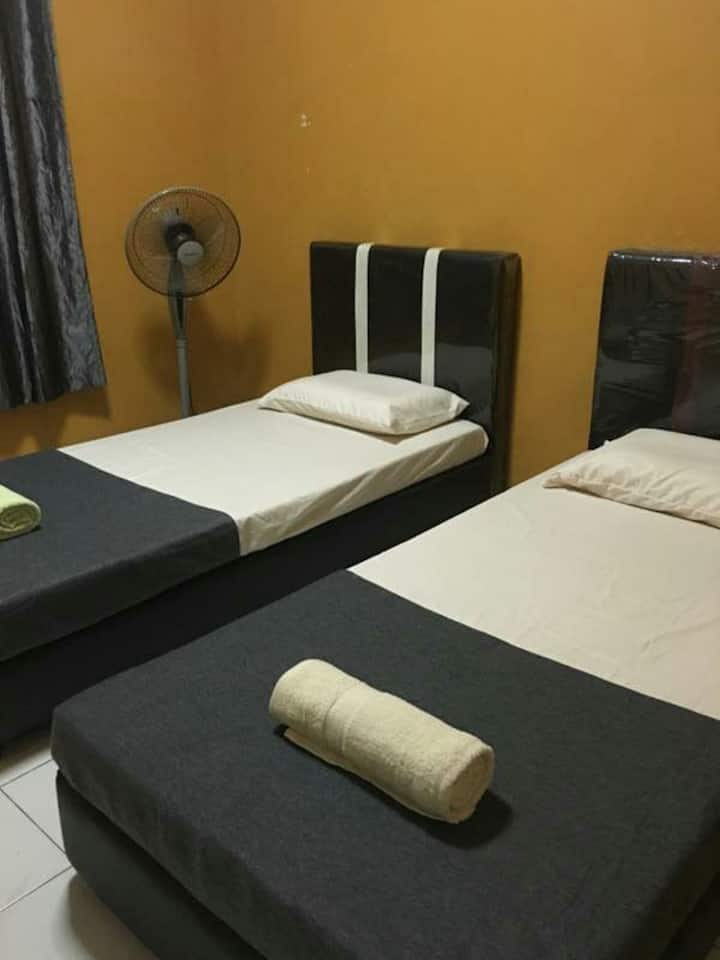 IDEAL HOMESTAY AT MATANG,KUCHING