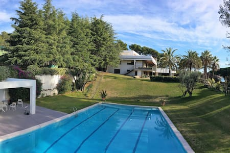 Mansion for 24+ next to Barcelona and the beach - Sant vicenç de Montalt