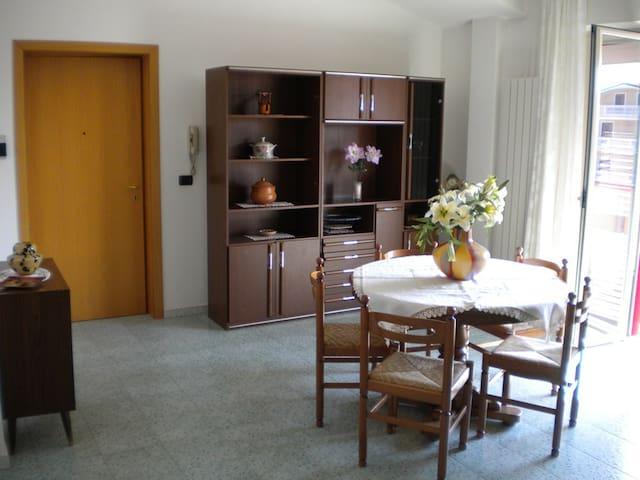Casa al mare in alba adriatica - Alba Adriatica - Apartamento