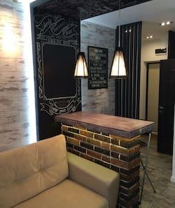 Дизайнерская квартира-студия - Rostov