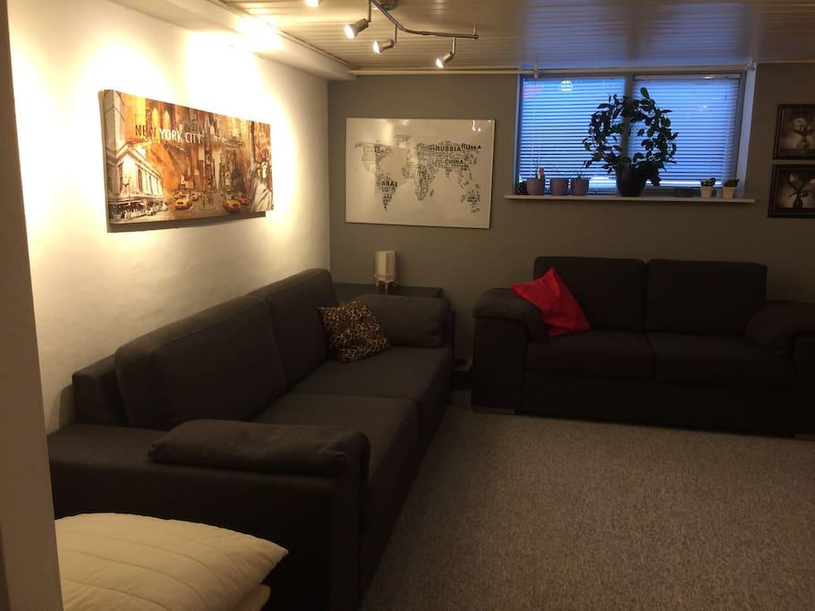 Sofagruppe med tv