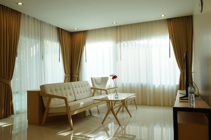 New 1 Bedroom Apartment near BTS Punnawithi