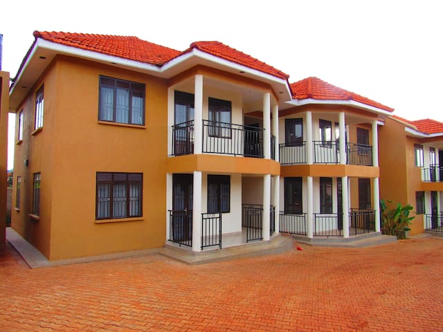 8 - Unit Apartment - Wakiso - Apartmen