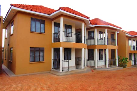 8 - Unit Apartment - Wakiso - Apartament