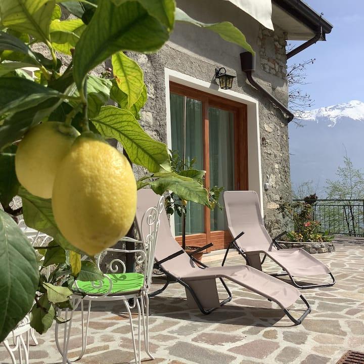 """""""Vecchio Molino"""" Casa Vacanza a Limone sul Garda"""