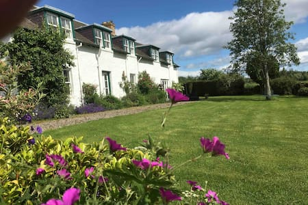 Tomlea Farm 3 double/single rooms with superb view