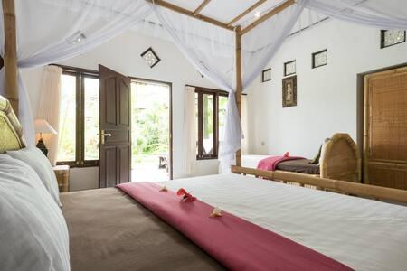 Family Villa, Great Views & Pool, Sidemen, Bali