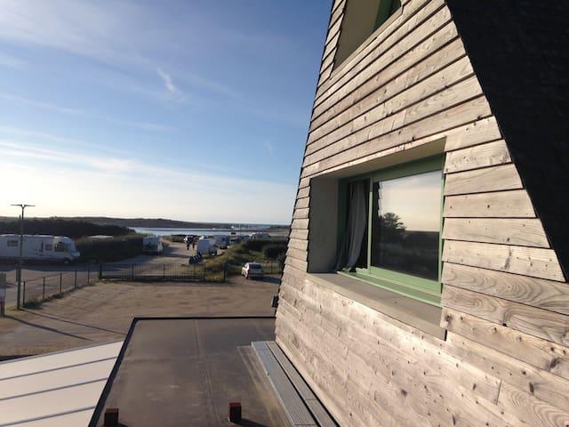 Appart neuf mansardé, proche plage et vue océan - Pleumeur-Bodou - Wohnung